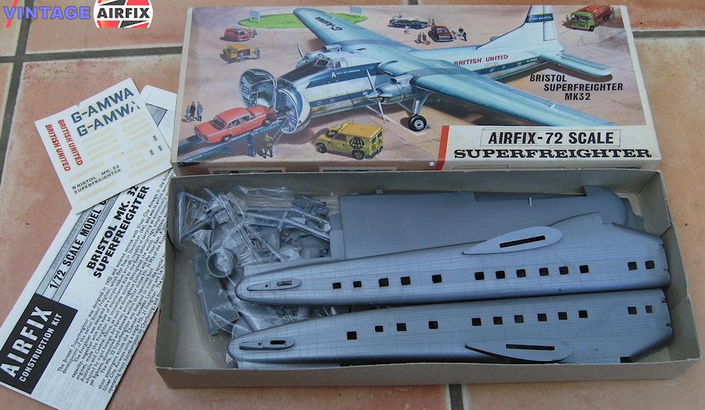 Bristol Superfreighter MK32 Airfix model kit in its cardboard box